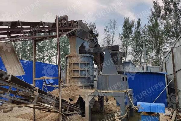 1500型立轴制砂机时产100吨沙子驻马店现场